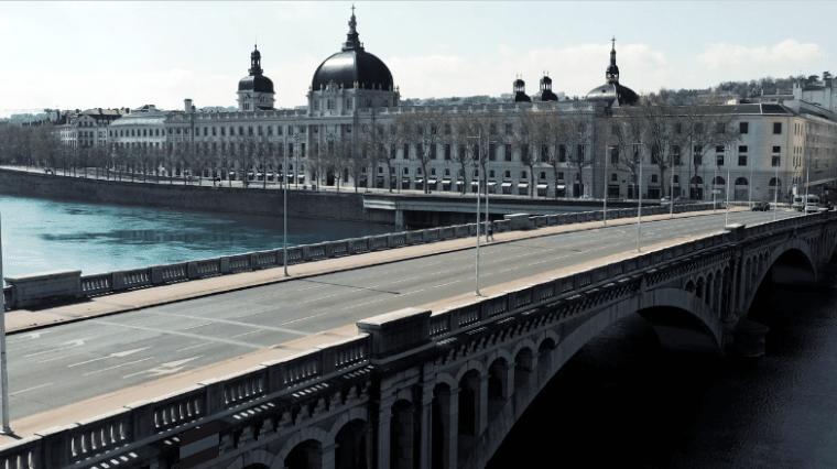 Covid-19 et confinement : les images inédites de Lyon vidée de ses habitants